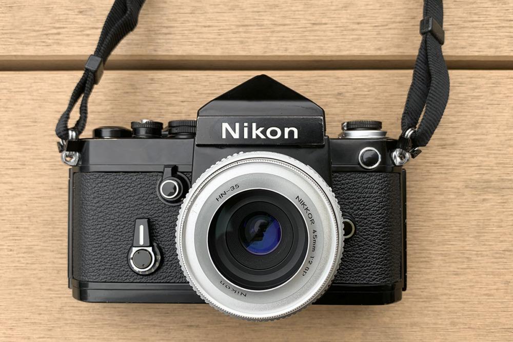 ニコンF2アイレベルBKとNIKKOR 45mm 2.8Pパンケーキレンズを思わず買ってしまった